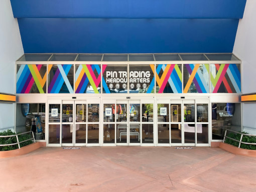 convention_center_orlando_southern_exhibits_services_custom_graphics_section_image_new_one_another